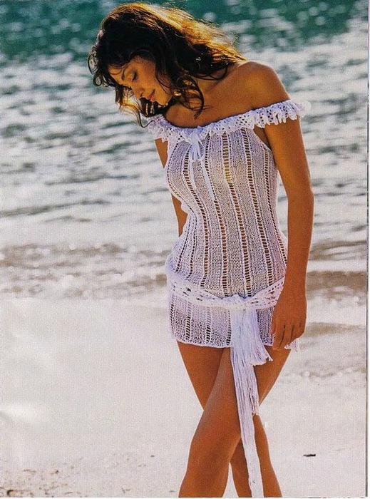 Пляжное платье-сетка имеет множество моделей, которые различаются между собой цветом, длиной, видом и плотностью...