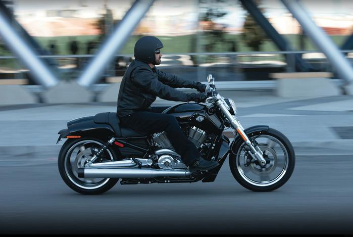 Harley Davidson V-Rod 10th Anniversary Edition/2822077_12vrodmusclemylit11 (700x469, 91Kb)