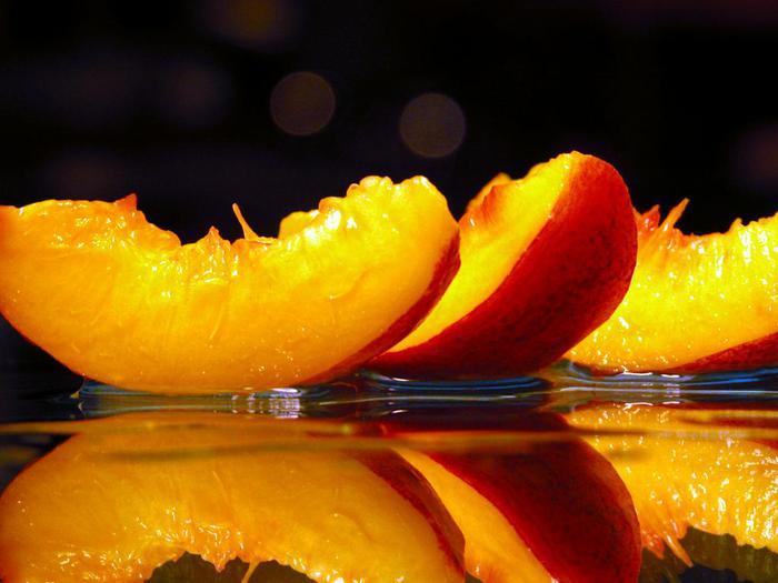 Peaches (700x525, 42Kb)