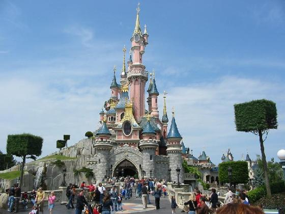 2009119-the_beautiful_castle_in_disneyland_paris-marne_la_vallee (560x420, 40Kb)