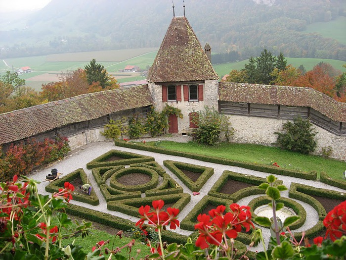 Замок графов де Грюйер (Chateau de Gruyeres) 75302