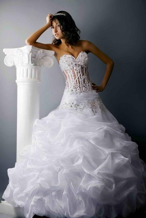 Шикарные свадебные, вечерние, выпускные платья в свадебном салоне Белый...