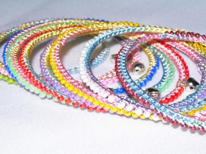 Короткие прически, длинные прически, средние прически. вязаные крючком из бисера браслеты.  Свадьба.