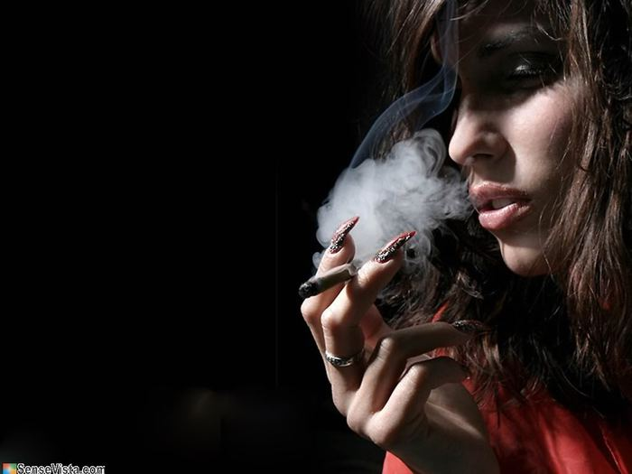2703_Smoking_girl1024_768 (700x525, 33Kb)