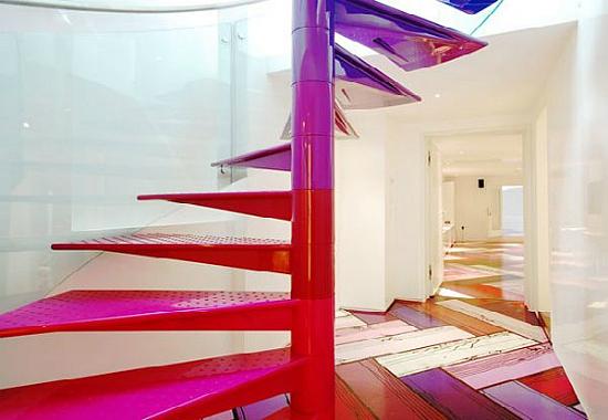 Дизайн квартир - фотографии радужного интерьера/2822077_TheRainbowHouseLondonbyABRogersDesign111 (550x380, 141Kb)