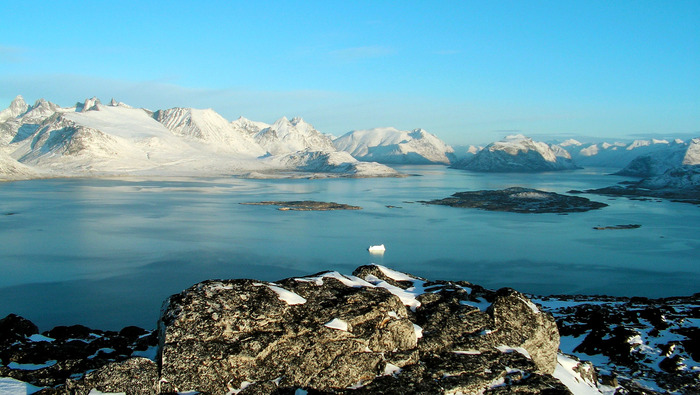 Greenland_scenery (700x395, 119Kb)