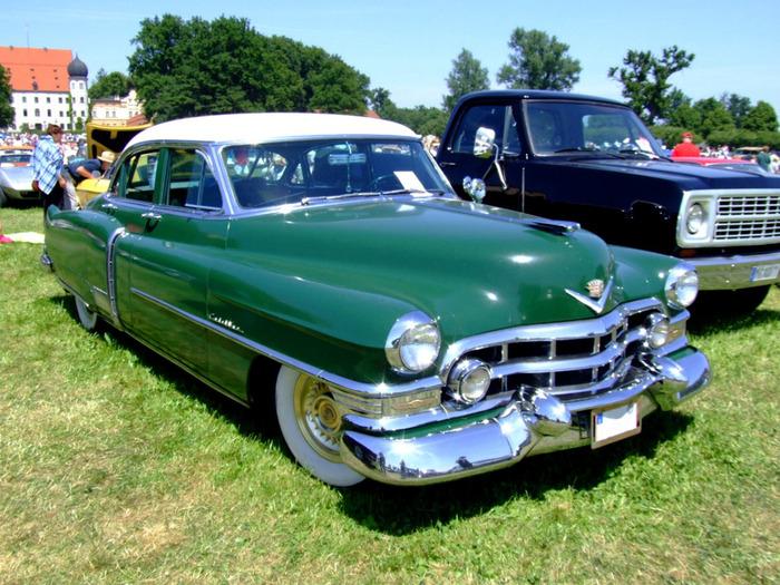 Cadillac_Fleetwood_60Special_1952 (700x525, 180Kb)