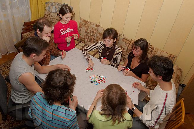 В карточные игры играют все, хотя бы раз в жизни в карты играл каждый человек... Имхо это конечно мое личное мнение../3320012_kartochnie_igri_durak (654x436, 110Kb)