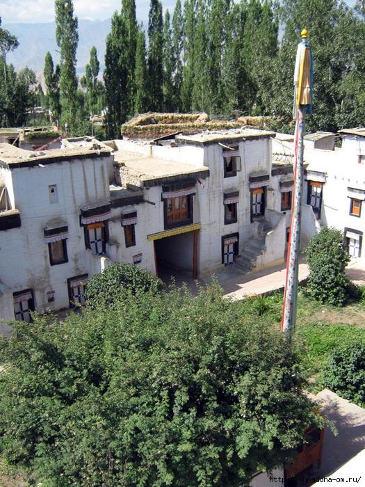 Indiya, Ladakh, Leh, Samkar Gompa, 1 (525x700, 421Kb)