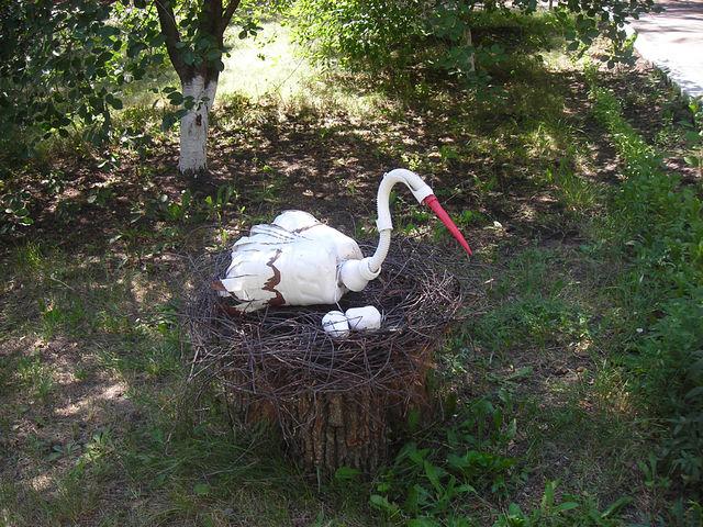Из чего сделать гнездо для аиста своими