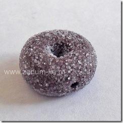 пончик из полимерной глины