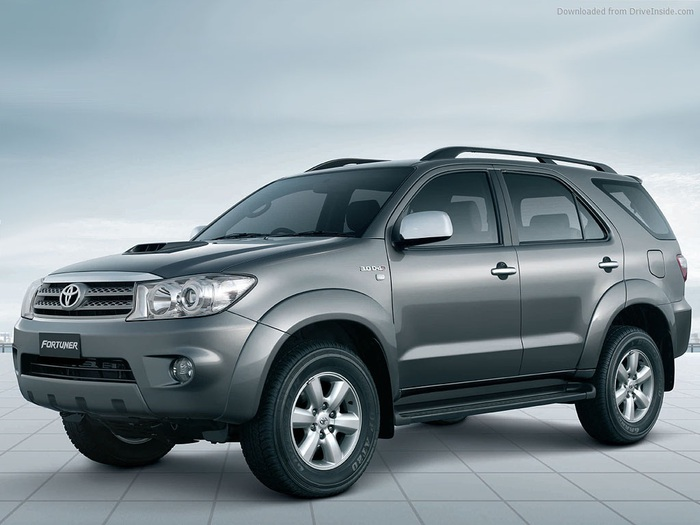toyota-fortuner-1609 (700x525, 88Kb)