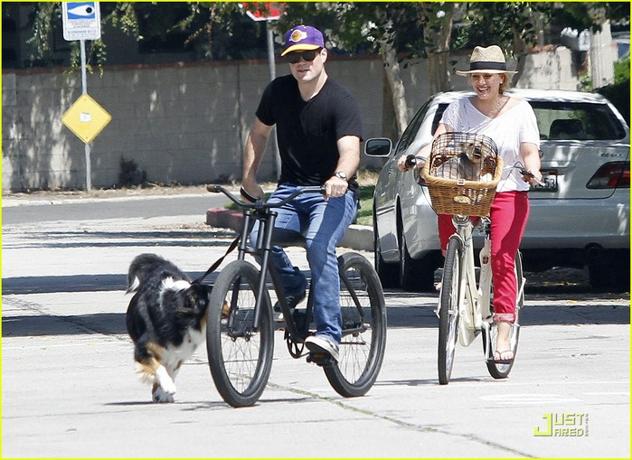 hilary-duff-mike-bikes-02 (700x509, 122Kb)