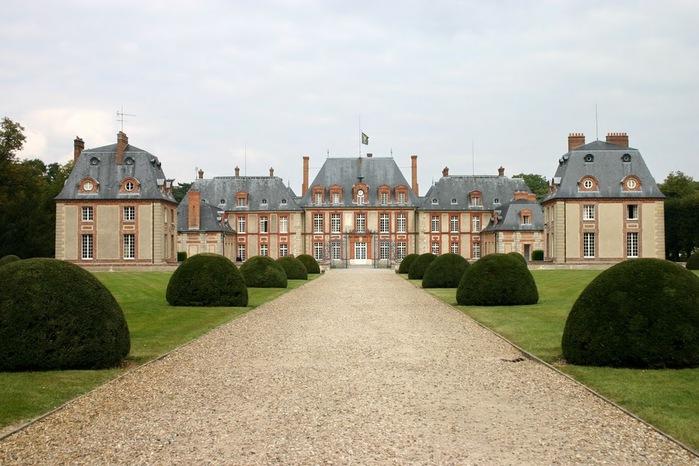 Замок Бретей / Chateau de Breteuil - в гостях у Шарля Пеpро 26000