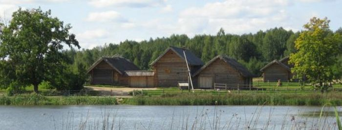 Пушкинская деревня/2719143_112208 (700x267, 34Kb)
