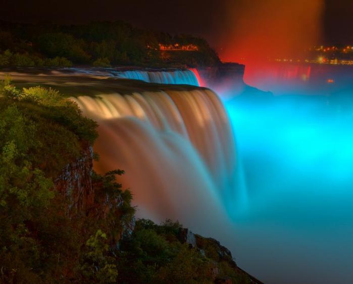 Ниагарский водопад ночью Кристен Майкл (700x563, 32Kb)