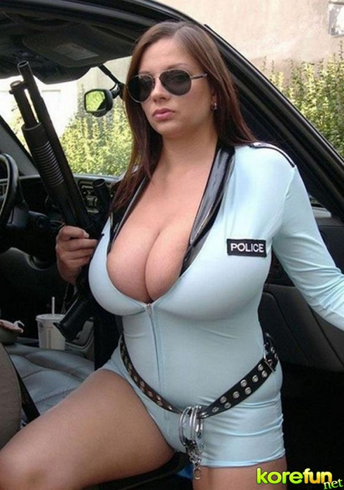 huge-female-breast19 (491x700, 223Kb)