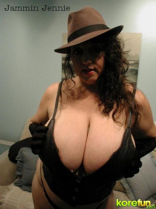 huge-female-breast24 (524x700, 191Kb)