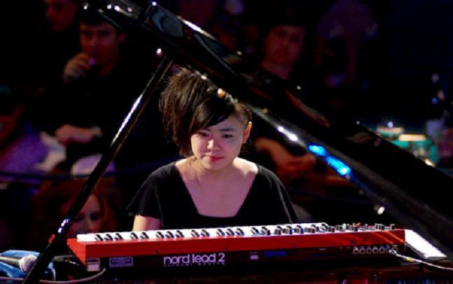 Hiromi+Uehara++Milano+2007[1] (647x406, 29Kb)