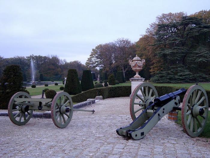 Замок Бретей / Chateau de Breteuil - в гостях у Шарля Пеpро 76886