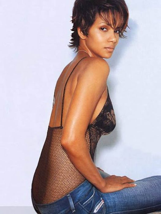 Halle Berry (8) (526x700, 53Kb)