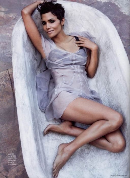 Halle Berry (21) (512x700, 71Kb)