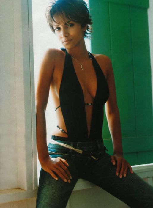 Halle Berry (22) (515x700, 48Kb)