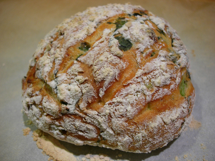 4278666_2282719583_e09a85d799_Rustic_Spinach_Feta_Bread_L (700x525, 225Kb)