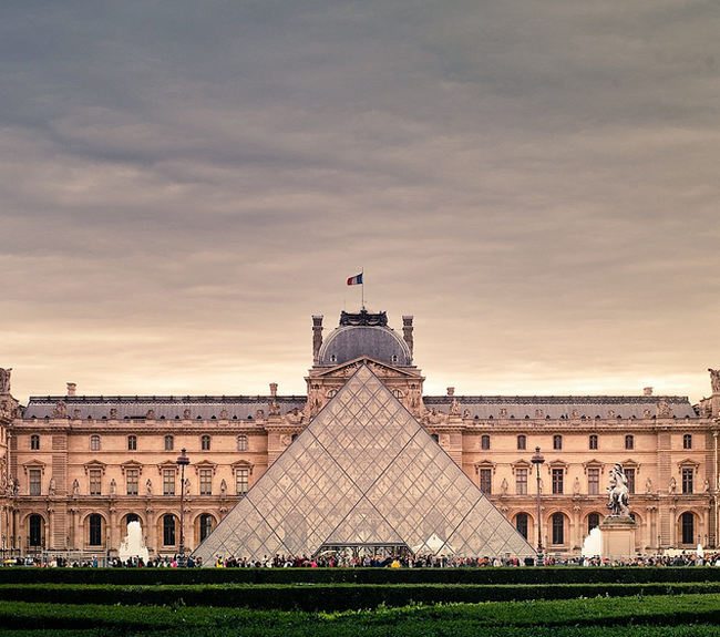 France - Paris - Louvre  Flickr - Photo Sharing! (650x575, 679Kb)