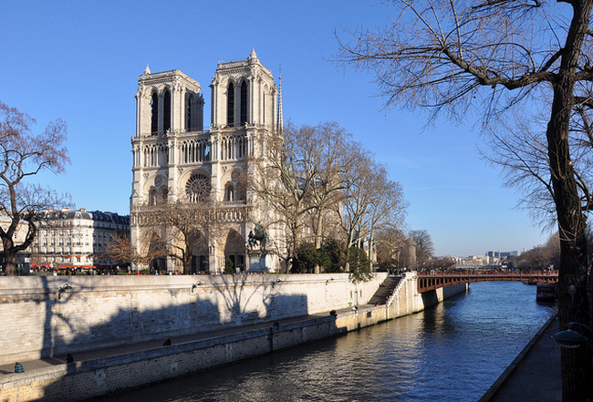 Paris - Notre Dame view from St-Michel bridge  Flickr - Photo Sharing! (650x441, 722Kb)