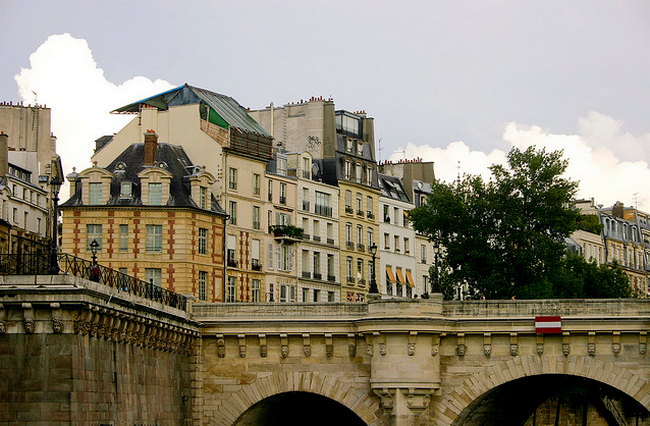 Paris from a boat  Flickr - Photo Sharing! (650x426, 594Kb)