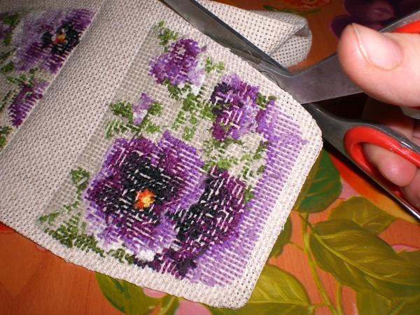 Игольница сумочка с вышивкой