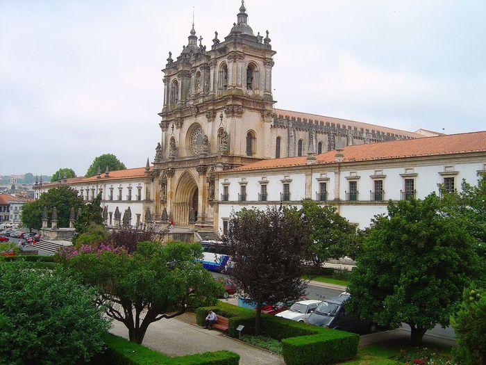 http://img0.liveinternet.ru/images/attach/c/3/77/442/77442752_Mosteiro_de_Alcobaca__Portugal_.jpg