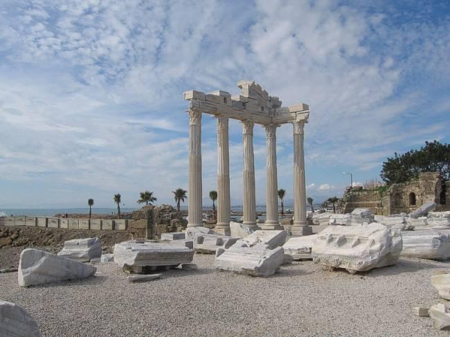 храм аполлона (650x487, 47Kb)