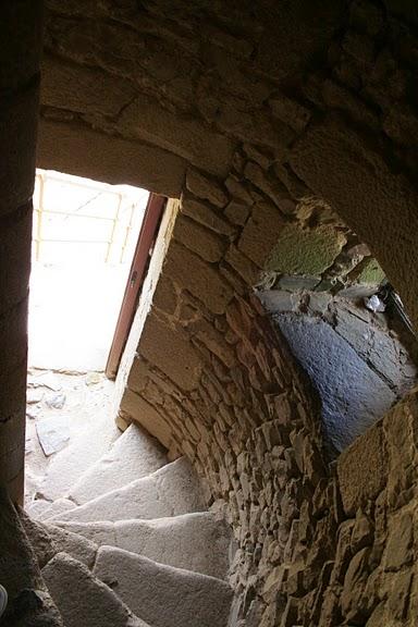 Фужер (Fougeres) — старинный город-крепость с 13 башнями в Бретани 88224
