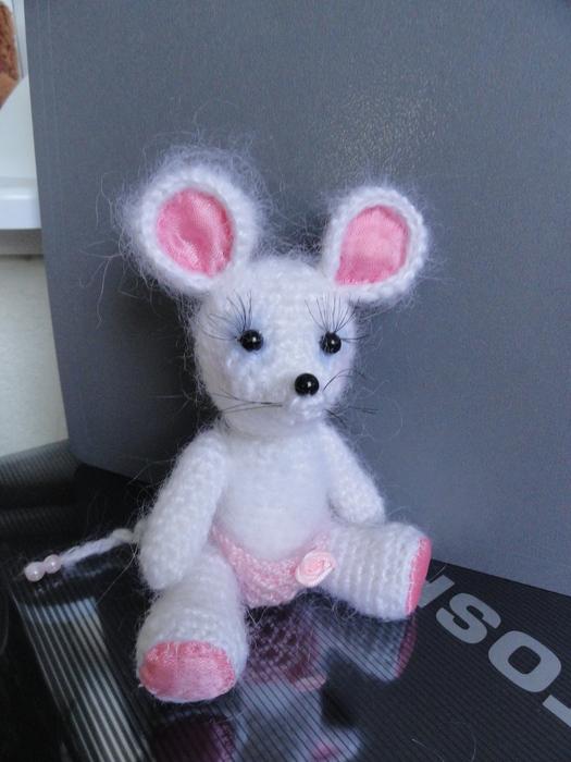 开心果喜欢的钩织小老鼠