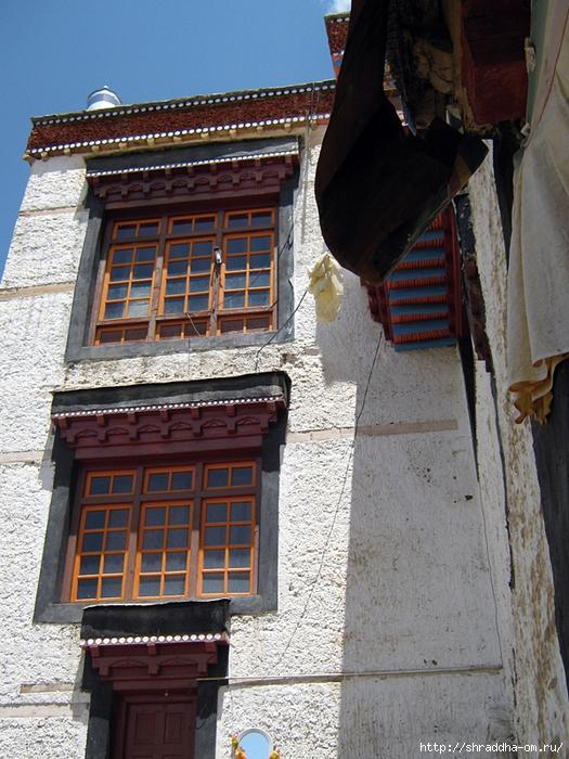 Индия, Ладакх, окрестности Леха, монастырь Tak Thog (1) (525x700, 362Kb)
