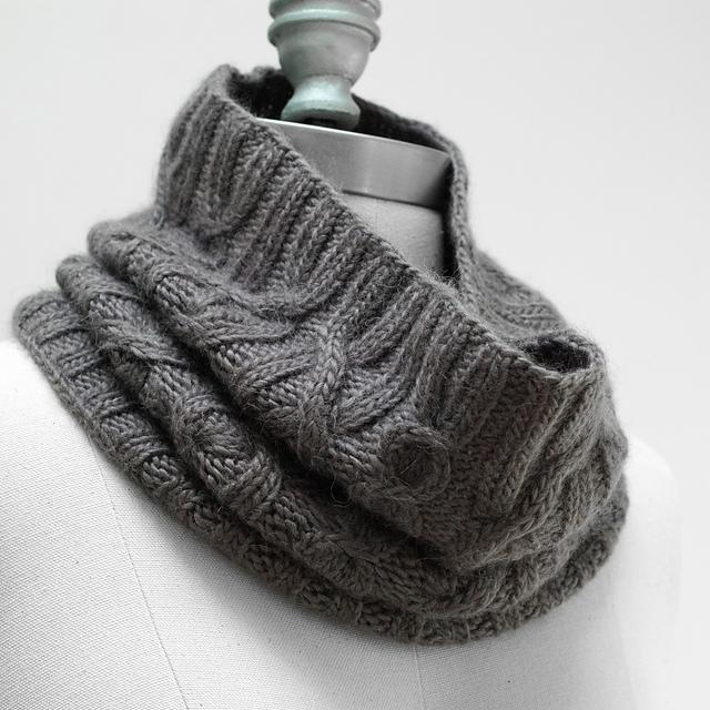 связать снуд схемы. вязание спицами шапки и шарфа схема.