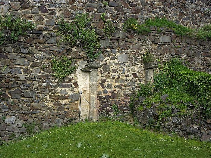 Фужер (Fougeres) — старинный город-крепость с 13 башнями в Бретани 38868