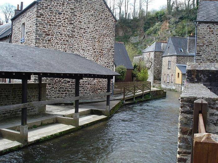 Фужер (Fougeres) — старинный город-крепость с 13 башнями в Бретани 59582