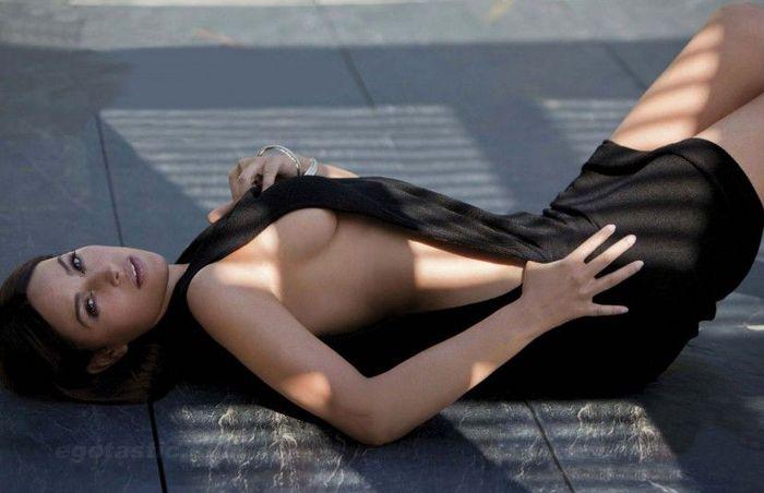 Шикарная Monica Bellucci (9 фотографий), photo2 (700x452, 38Kb)