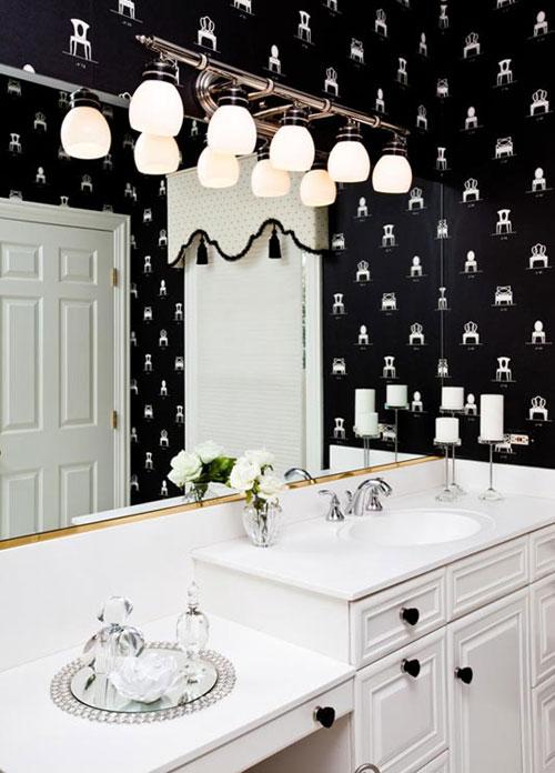 черно-белый интерьер ванной комнаты. черно-белый интерьер, фото...