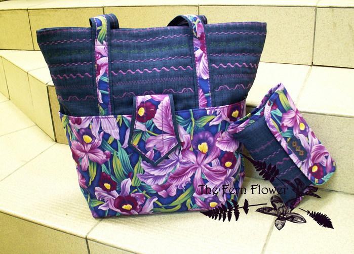 Лето уже почти закончилось,а мне захотелось сшить сумочку с цветочным мотивом,как воспоминание о лете.