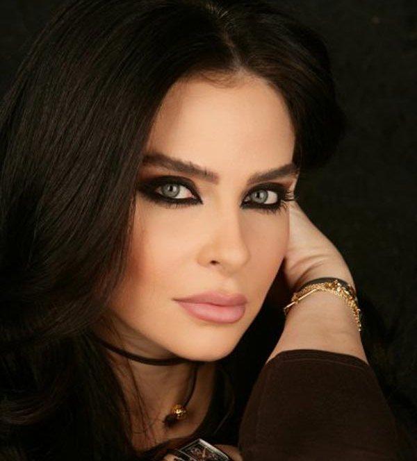 mulheres-arabes-mais-sensuais-de-2010-031 (600x664, 43Kb)