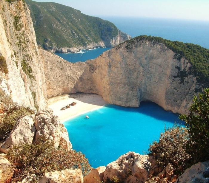 Греческий остров Закинтос в Ионическом море (700x614, 186Kb)
