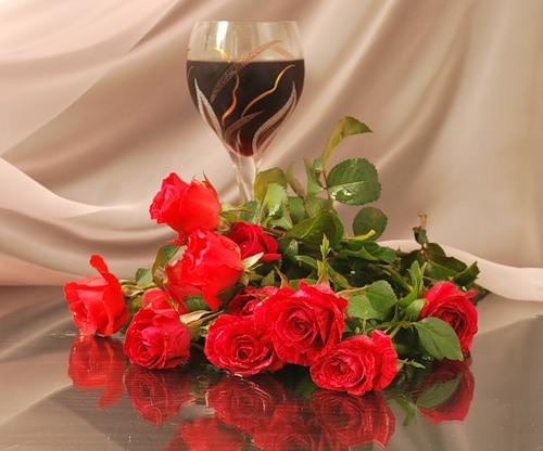 розы и вино 1 бокал (500x416, 51Kb)