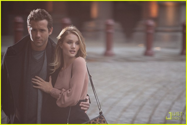 rosie-huntington-whiteley-ryan-reynolds-marks-and-spencers-new-faces-03 (636x426, 51Kb)