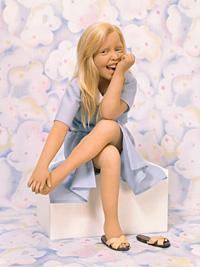 little_girl_blue (200x267, 27Kb)