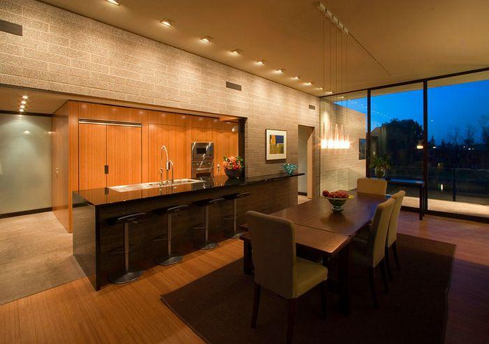 Дом на берегу озера в штате Аризона