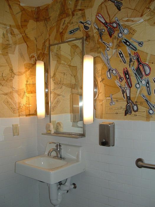 273442960_d77fc94ed9 bathroom at work_O (525x700, 131Kb)